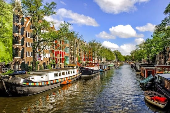 Amsterdam, the Netherlands is requiring new neighborhoods be built without natural-gas infrastructure. It's also incentivizing residents to remove gas infrastructure from their homes. Source: Pixabay